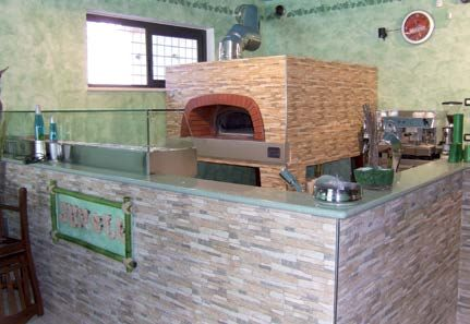 Forni per pizzeria prefabbricati a legna e o a gas